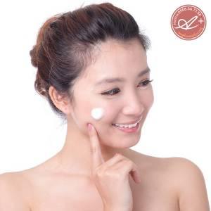 Sữa rửa mặt ngọc trai A&Plus Cleansing Cream MV002