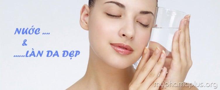 Bạn đã biết uống nước đúng cách giúp da đẹp?