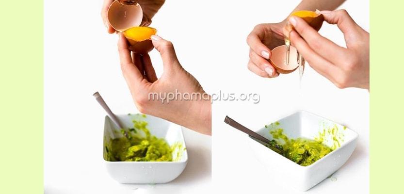 Công thức lòng trắng trứng gà + bơ trị mụn